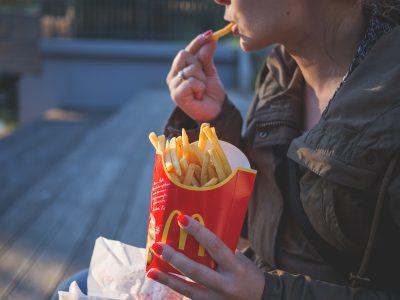 Il junkfood e la pubblicità rivolta ai bambini